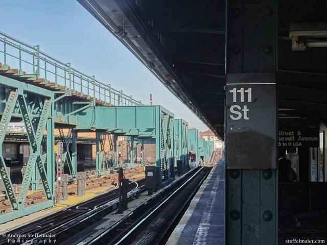 111 Street station, Queens